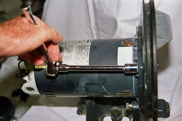 Réparation pompe piscine toulon-