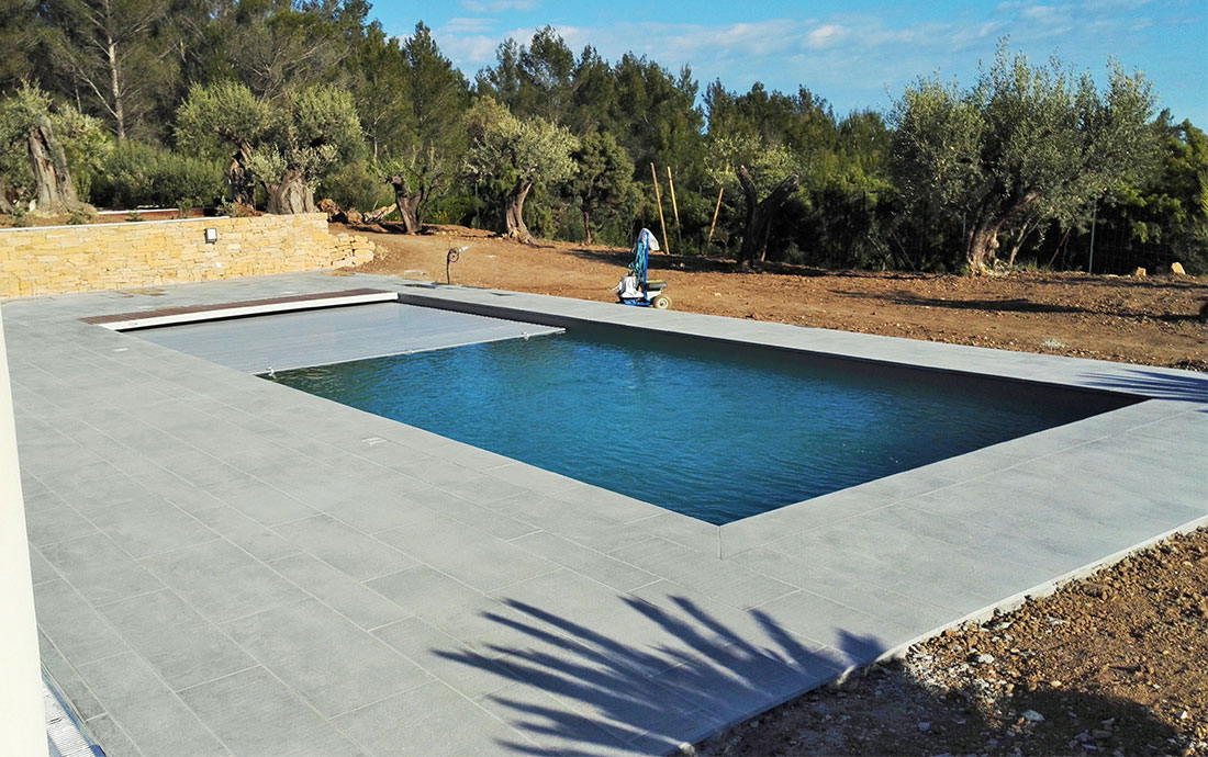 Construction Piscine polyester